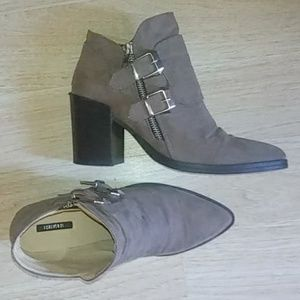 FOREVER 21 faux suede buckle  booties size 8.5 US